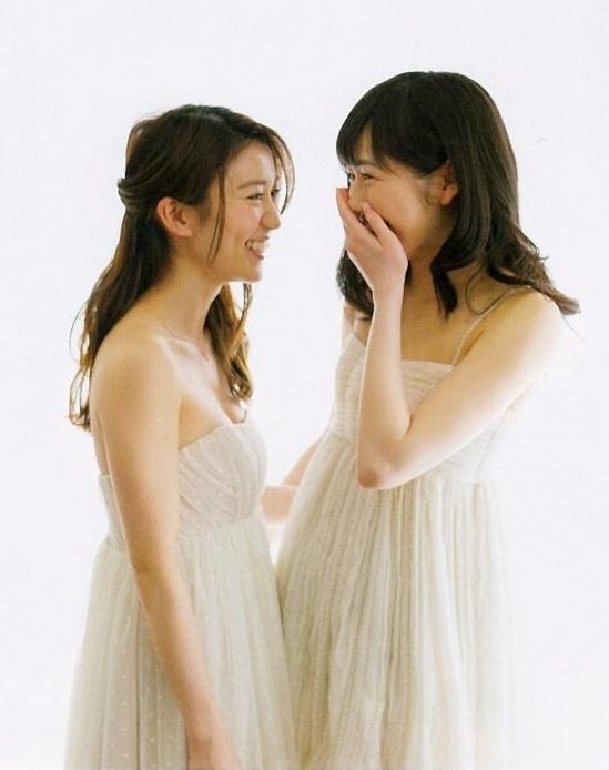 【渡辺麻友お宝画像】突然芸能界引退を発表した元AKBアイドルのグラビア写真 05