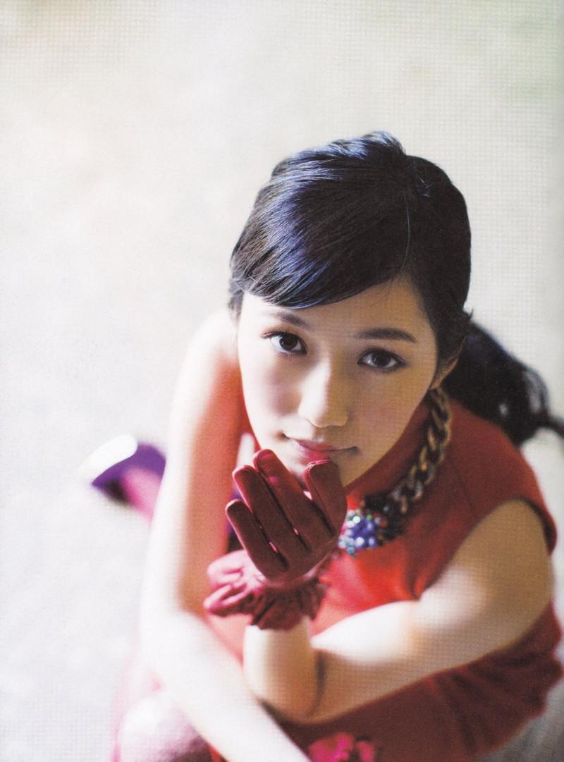 【渡辺麻友お宝画像】突然芸能界引退を発表した元AKBアイドルのグラビア写真 24