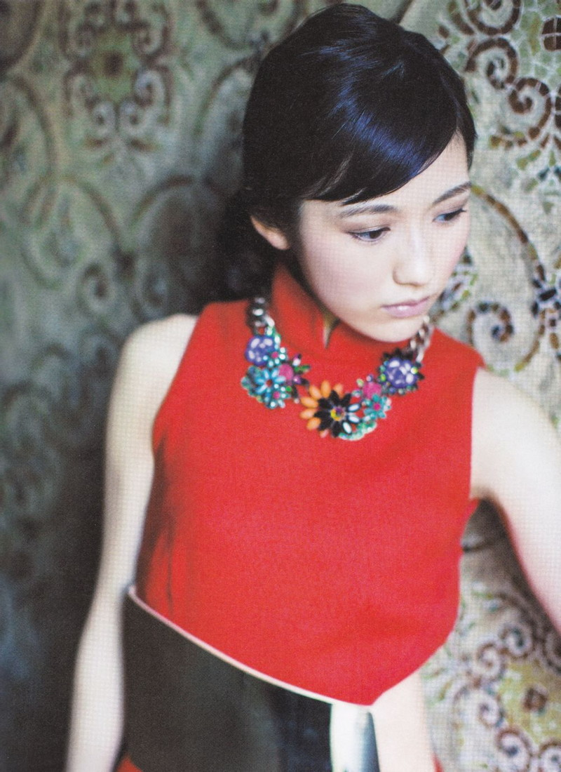 【渡辺麻友お宝画像】突然芸能界引退を発表した元AKBアイドルのグラビア写真 26