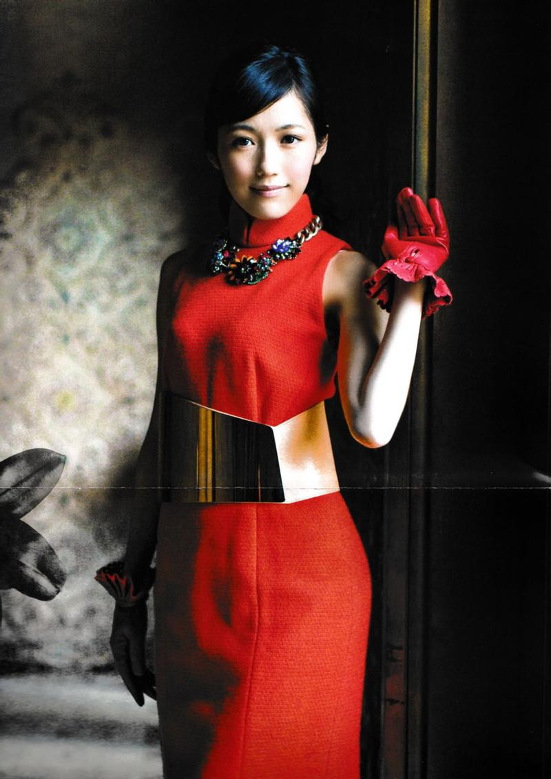 【渡辺麻友お宝画像】突然芸能界引退を発表した元AKBアイドルのグラビア写真 28