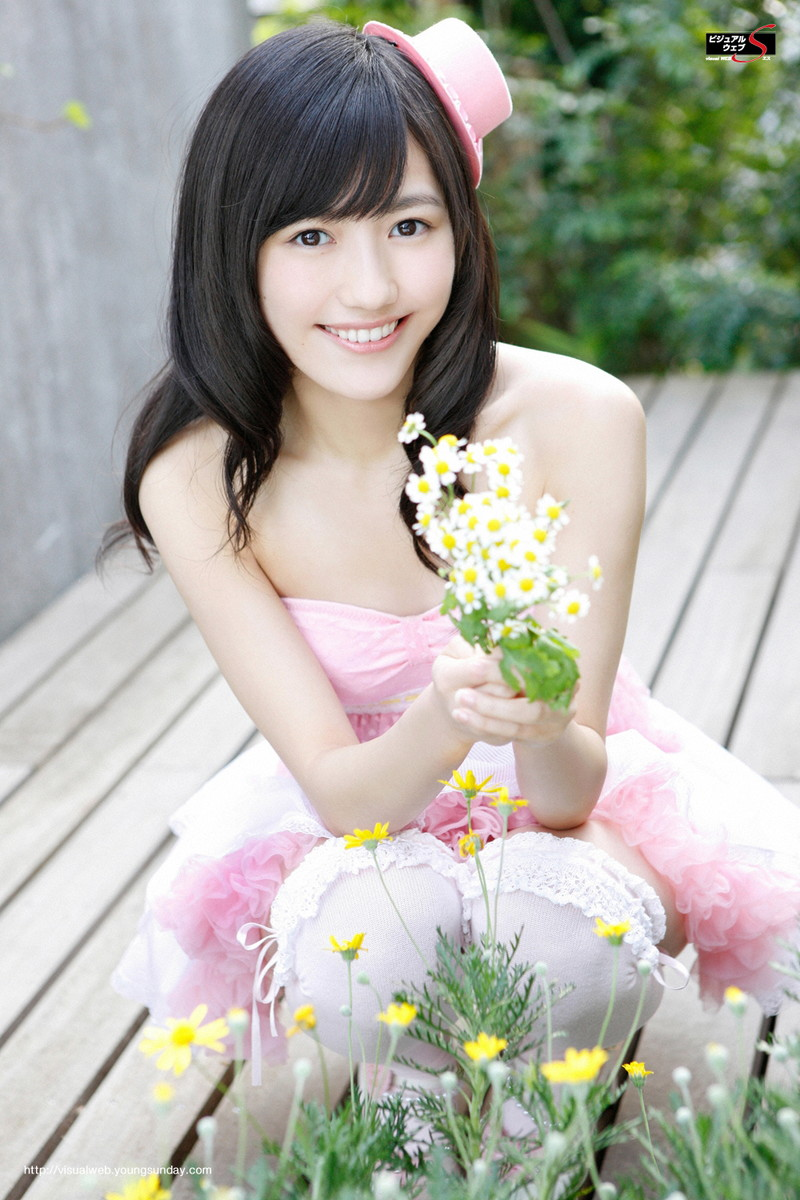 【渡辺麻友お宝画像】突然芸能界引退を発表した元AKBアイドルのグラビア写真 33