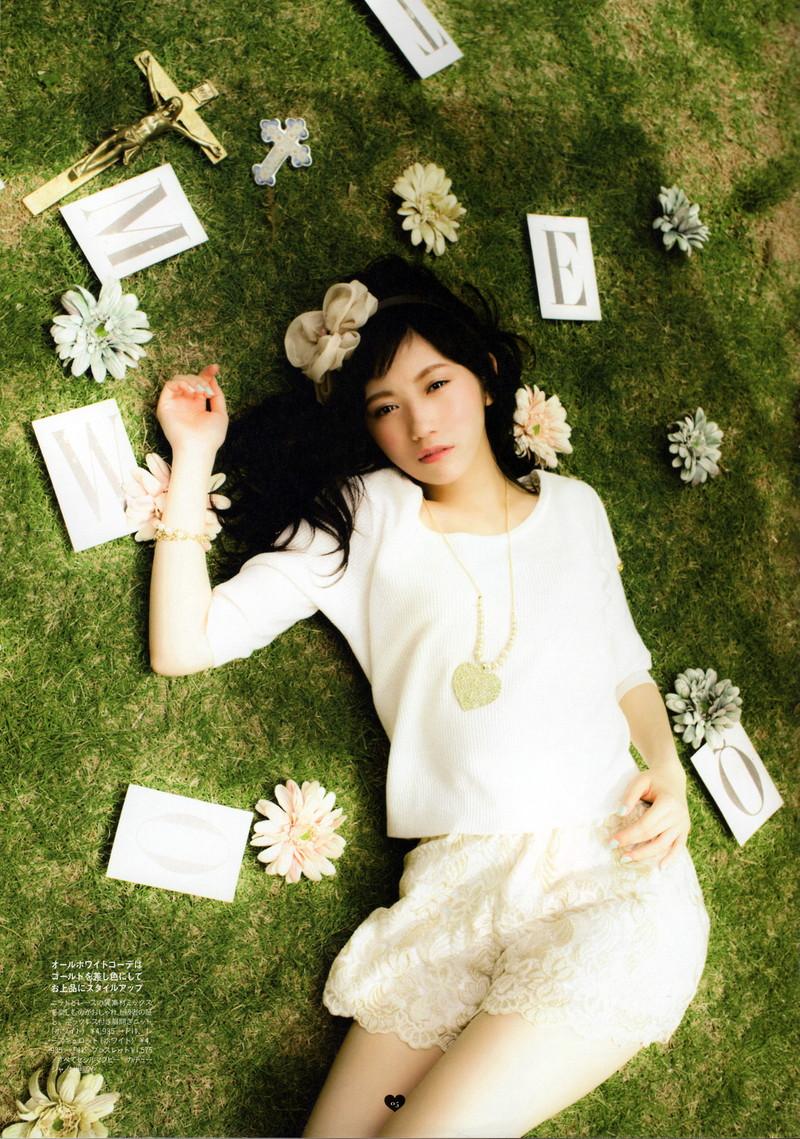 【渡辺麻友お宝画像】突然芸能界引退を発表した元AKBアイドルのグラビア写真 57