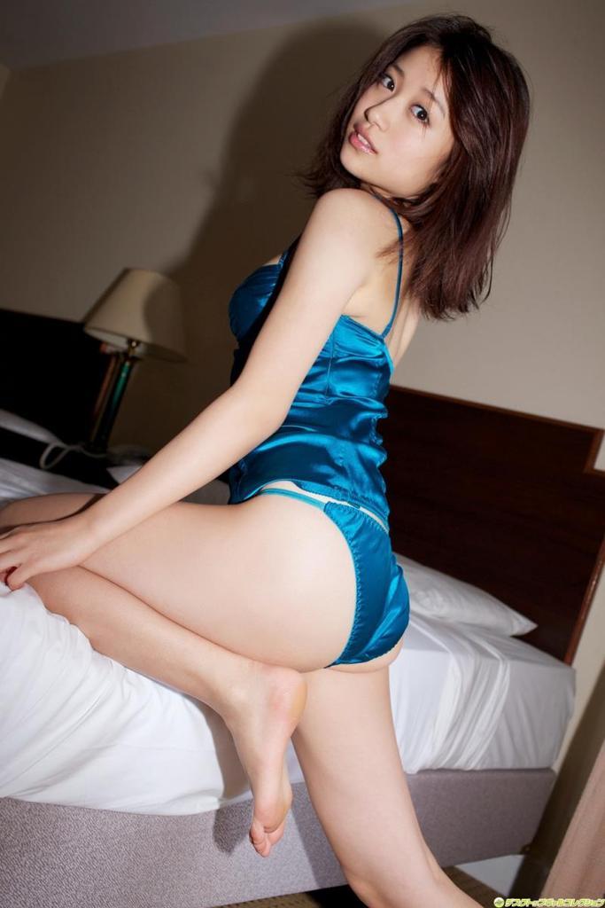 【斉藤まりなグラビア画像】綺麗な歌声がとても素敵なお姉さんの貴重なビキニ姿 71