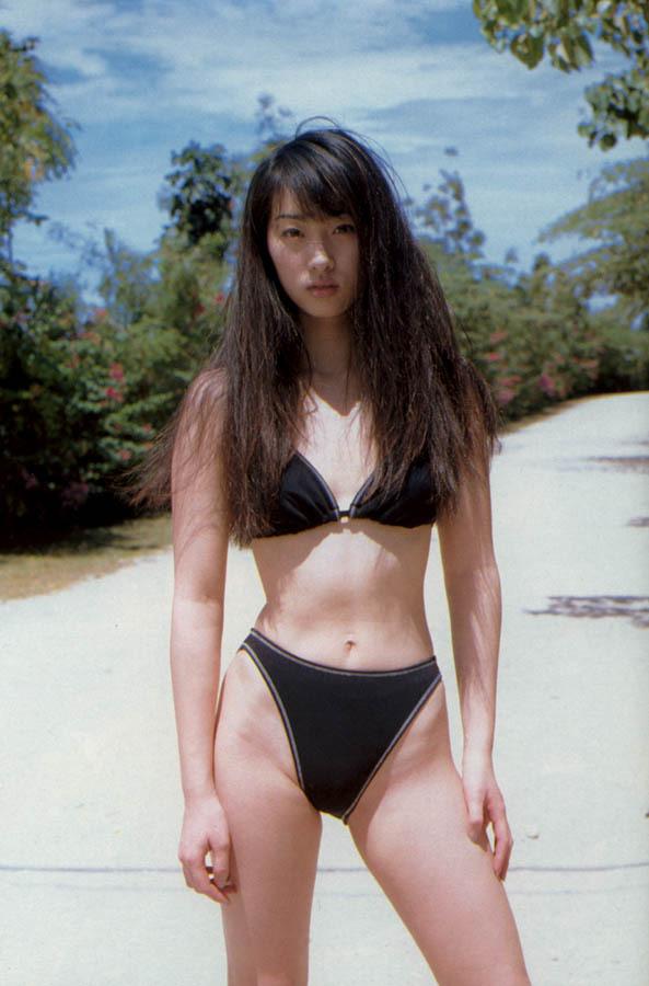 【坂下千里子お宝画像】平成初頭に大ブレイクした千里ちゃんの貴重なセミヌード! 11