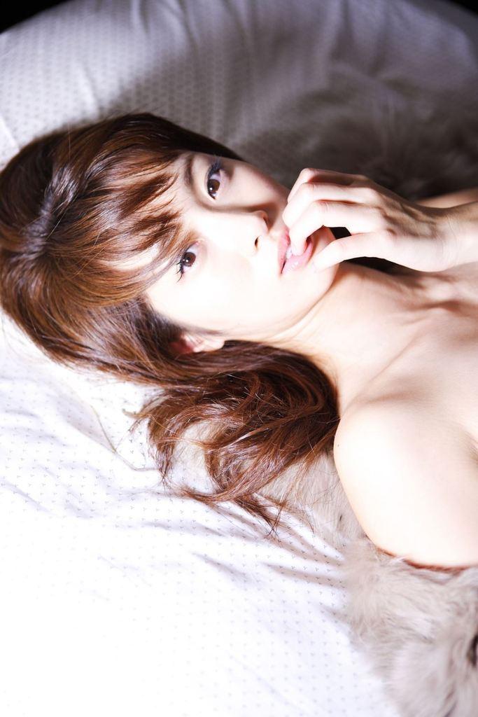 【坂下千里子お宝画像】平成初頭に大ブレイクした千里ちゃんの貴重なセミヌード! 64