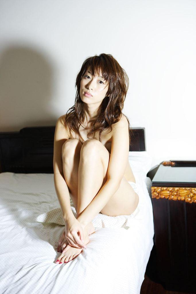 【坂下千里子お宝画像】平成初頭に大ブレイクした千里ちゃんの貴重なセミヌード! 75