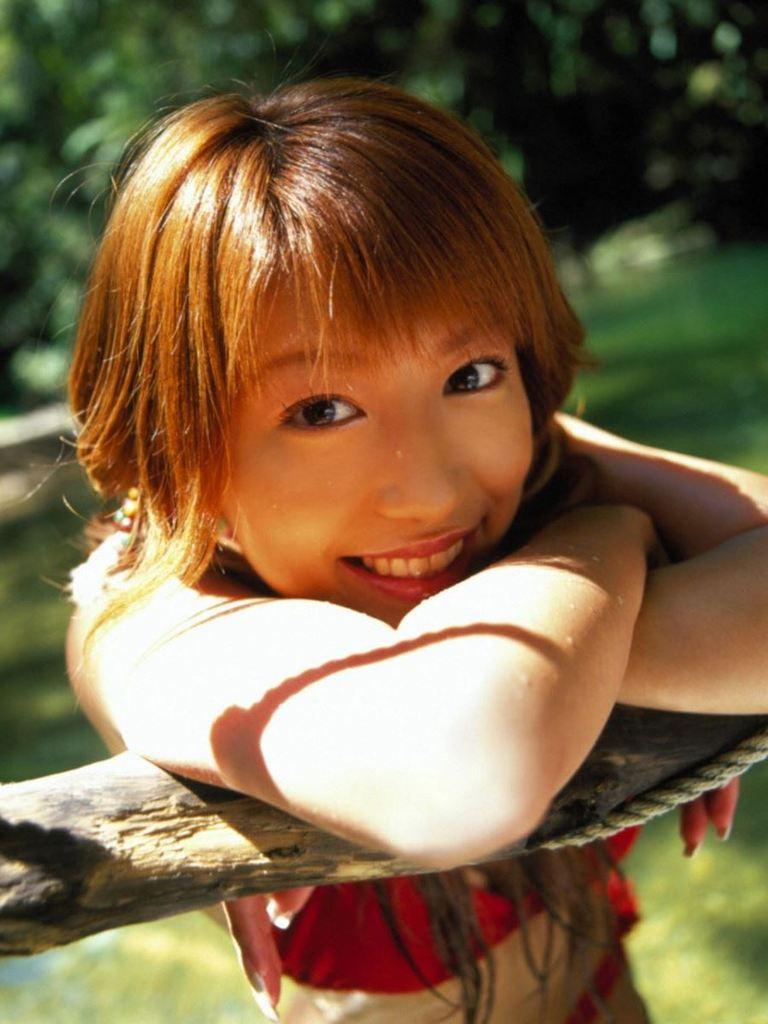 【里田まいグラビア画像】北海道で酪農しながらアイドルやってたってマジかwwww 21