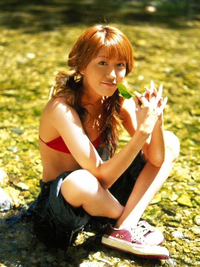 【里田まいグラビア画像】北海道で酪農しながらアイドルやってたってマジかwwww 26