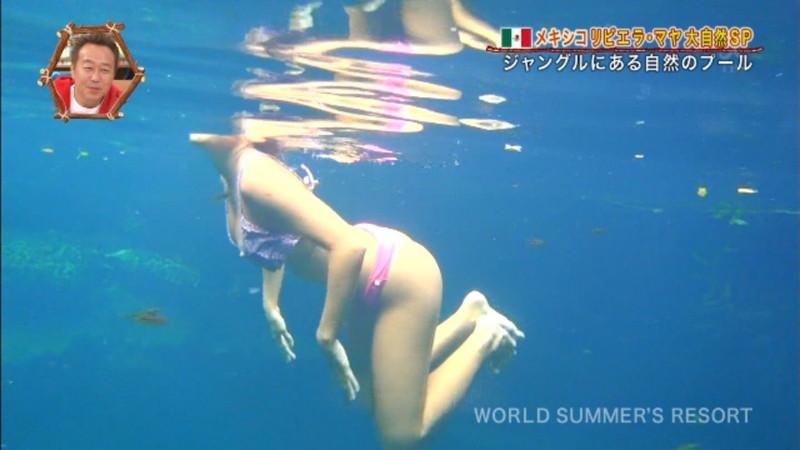 【放送事故画像】テレビ画面で堂々と外国美女のエロビキニ姿が見られる番組wwww 52