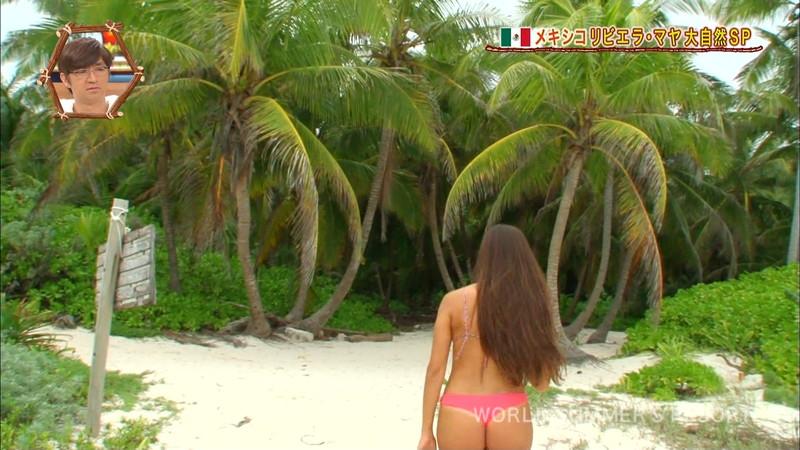 【放送事故画像】テレビ画面で堂々と外国美女のエロビキニ姿が見られる番組wwww 55