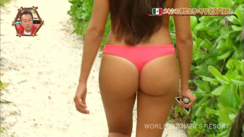 【放送事故画像】テレビ画面で堂々と外国美女のエロビキニ姿が見られる番組wwww 57