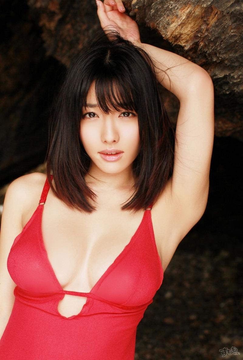【今野杏南グラビア画像】挑発的な視線と美しいFカップボディがソソる美巨乳美女 26