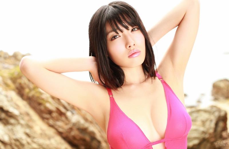 【今野杏南グラビア画像】挑発的な視線と美しいFカップボディがソソる美巨乳美女 31