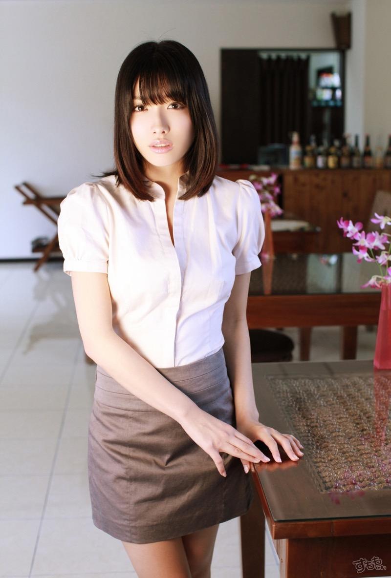 【今野杏南グラビア画像】挑発的な視線と美しいFカップボディがソソる美巨乳美女 49