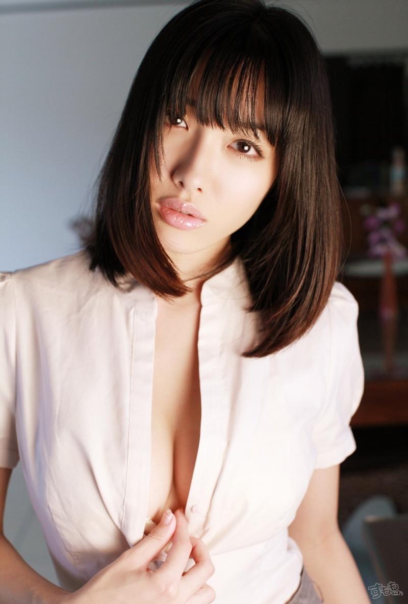 【今野杏南グラビア画像】挑発的な視線と美しいFカップボディがソソる美巨乳美女 50
