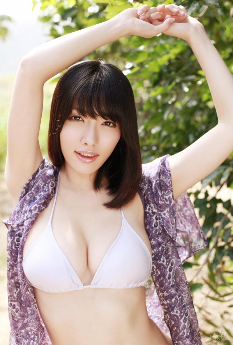 【今野杏南グラビア画像】挑発的な視線と美しいFカップボディがソソる美巨乳美女 72