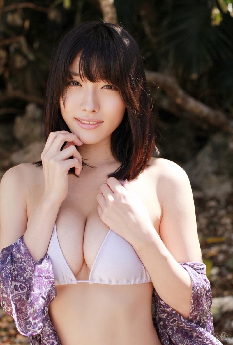 【今野杏南グラビア画像】挑発的な視線と美しいFカップボディがソソる美巨乳美女 76