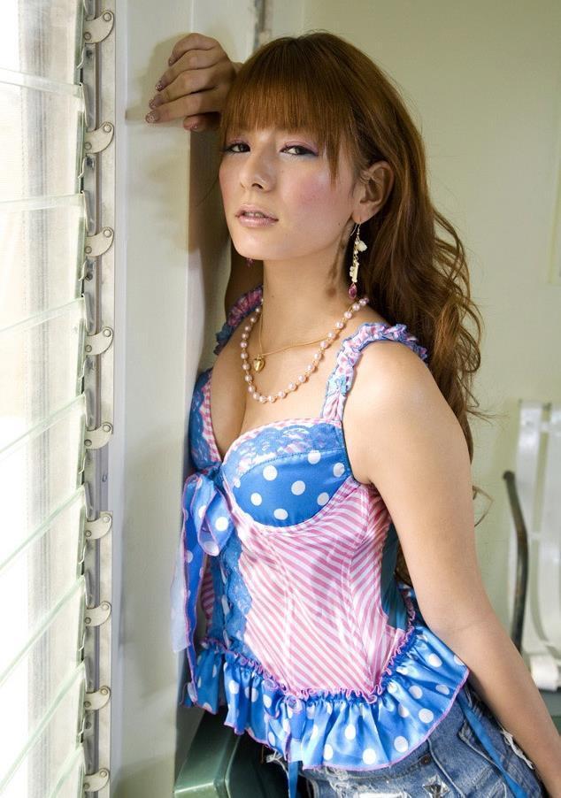 【スザンヌお宝画像】かつてバラエティ番組で引っ張りだこだったおバカ系ハーフ美女 22