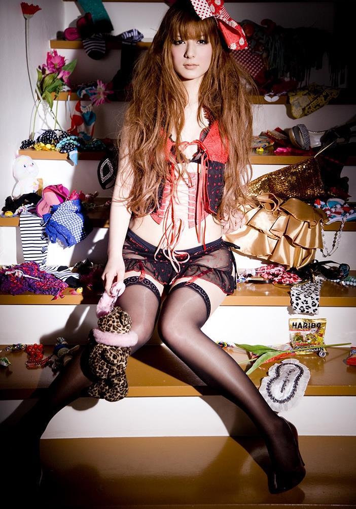 【スザンヌお宝画像】かつてバラエティ番組で引っ張りだこだったおバカ系ハーフ美女 59