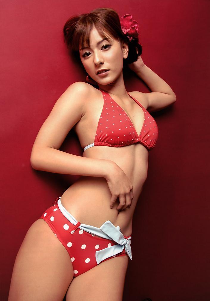 【スザンヌお宝画像】かつてバラエティ番組で引っ張りだこだったおバカ系ハーフ美女 69
