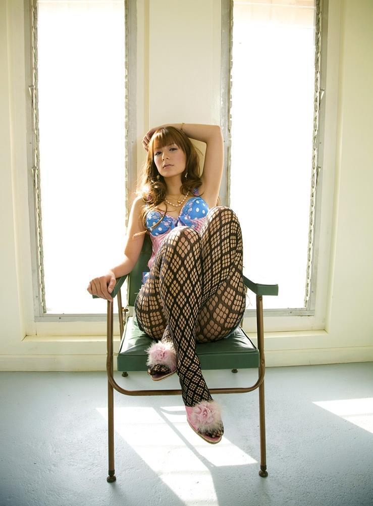 【スザンヌお宝画像】かつてバラエティ番組で引っ張りだこだったおバカ系ハーフ美女 81
