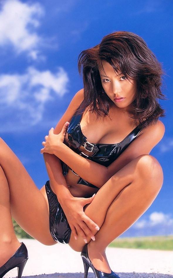【須之内美帆子グラビア画像】昔の深夜番組でワンギャルやってたRQのお宝エロ画像 16