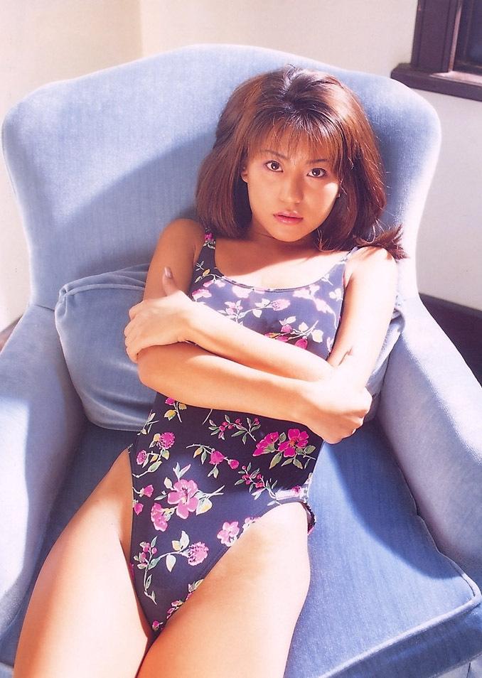 【須之内美帆子グラビア画像】昔の深夜番組でワンギャルやってたRQのお宝エロ画像 32