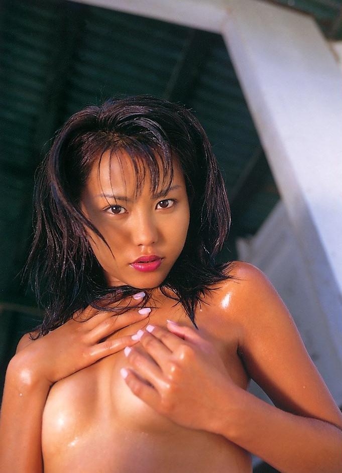 【須之内美帆子グラビア画像】昔の深夜番組でワンギャルやってたRQのお宝エロ画像 38