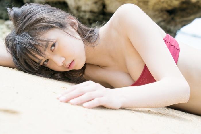 【牧野真莉愛グラビア画像】現役モー娘アイドルの健康的でちょっとエッチな水着姿