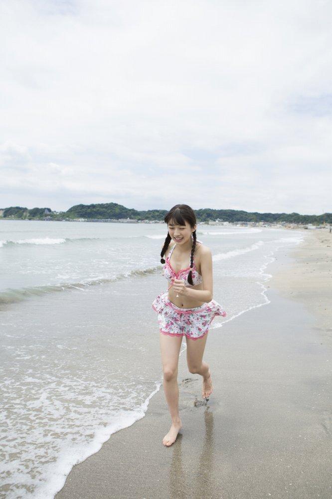 【牧野真莉愛グラビア画像】現役モー娘アイドルの健康的でちょっとエッチな水着姿 30