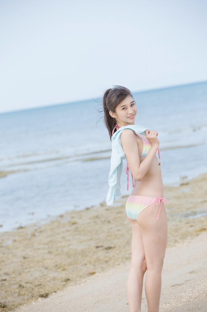【牧野真莉愛グラビア画像】現役モー娘アイドルの健康的でちょっとエッチな水着姿 42