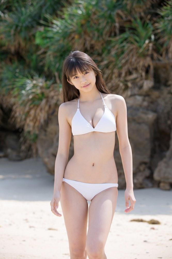 【牧野真莉愛グラビア画像】現役モー娘アイドルの健康的でちょっとエッチな水着姿 63
