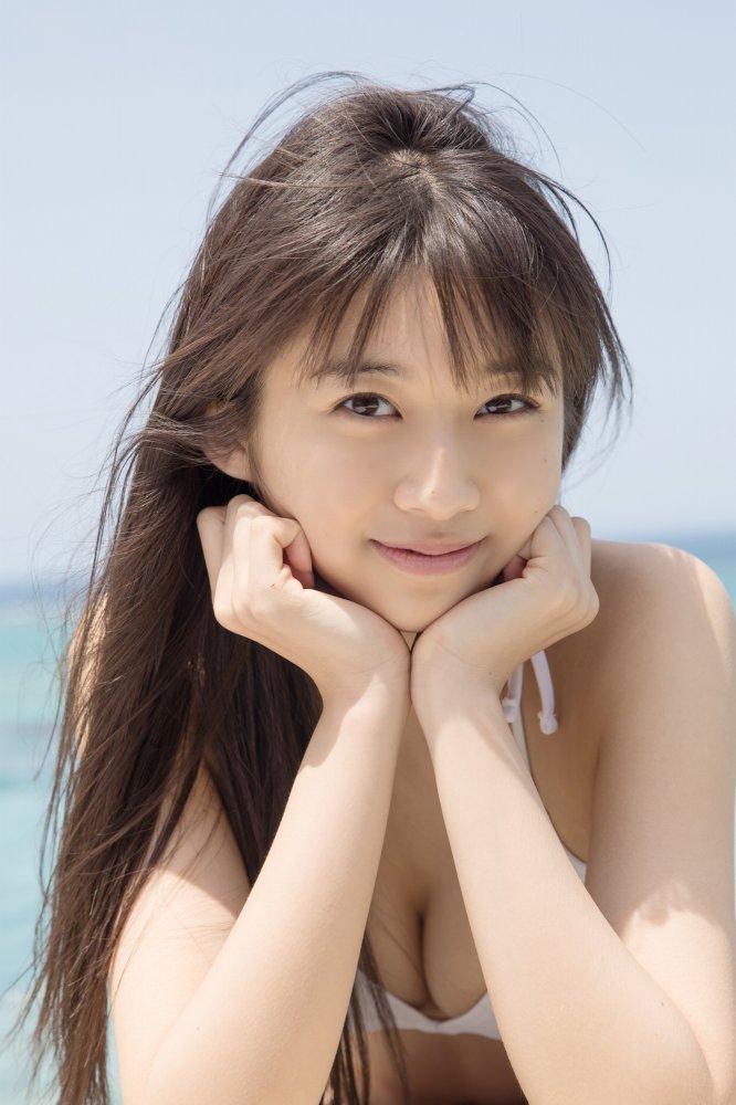【牧野真莉愛グラビア画像】現役モー娘アイドルの健康的でちょっとエッチな水着姿 70