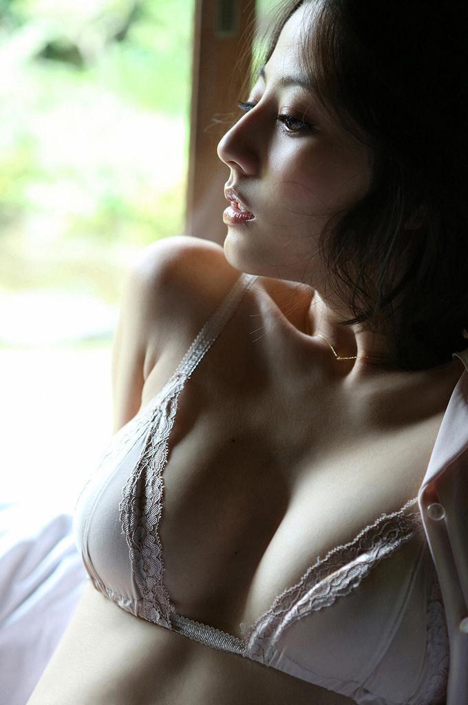 【杉本有美グラビア画像】ファッションモデルの美しすぎるランジェリー姿 21