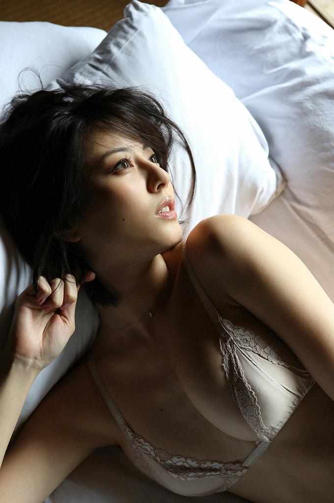 【杉本有美グラビア画像】ファッションモデルの美しすぎるランジェリー姿 25