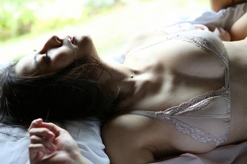 【杉本有美グラビア画像】ファッションモデルの美しすぎるランジェリー姿 27
