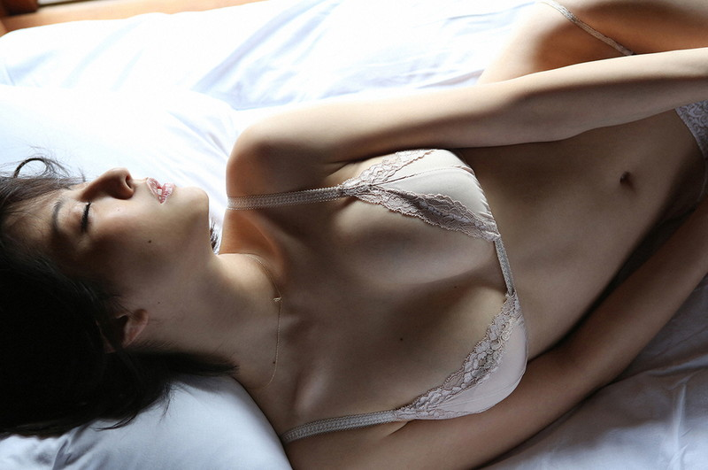 【杉本有美グラビア画像】ファッションモデルの美しすぎるランジェリー姿 29