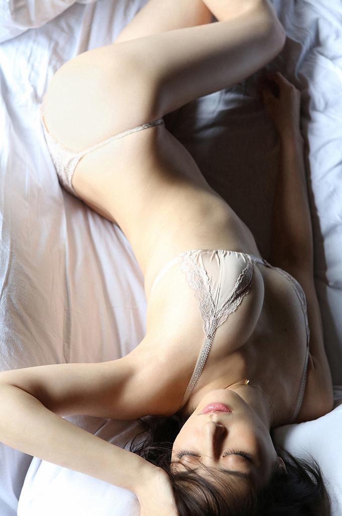 【杉本有美グラビア画像】ファッションモデルの美しすぎるランジェリー姿 31