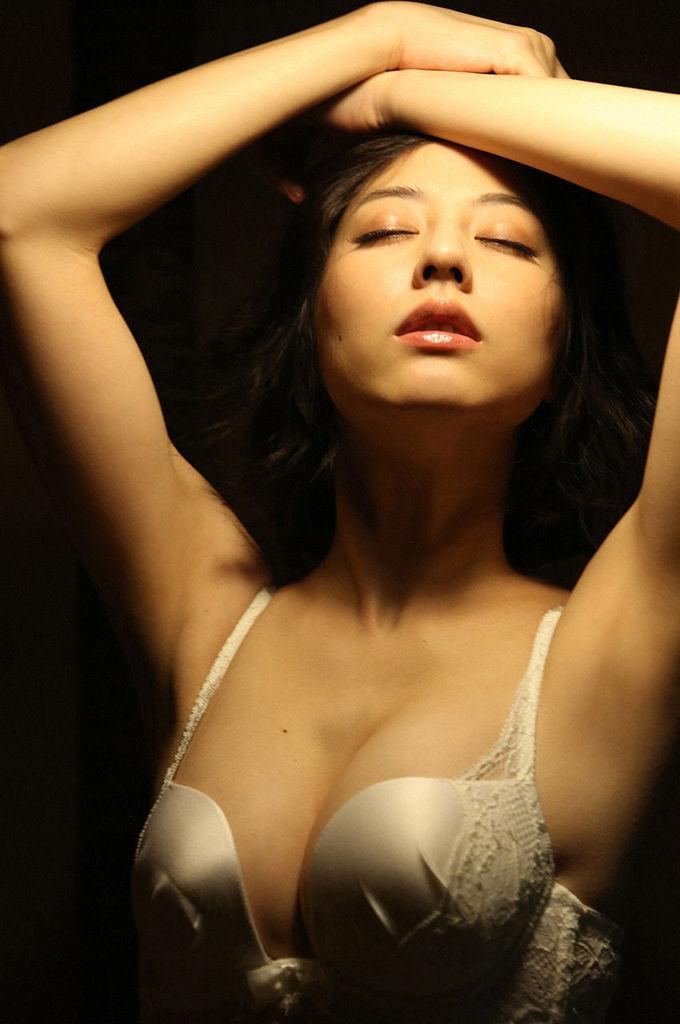 【杉本有美グラビア画像】ファッションモデルの美しすぎるランジェリー姿 44