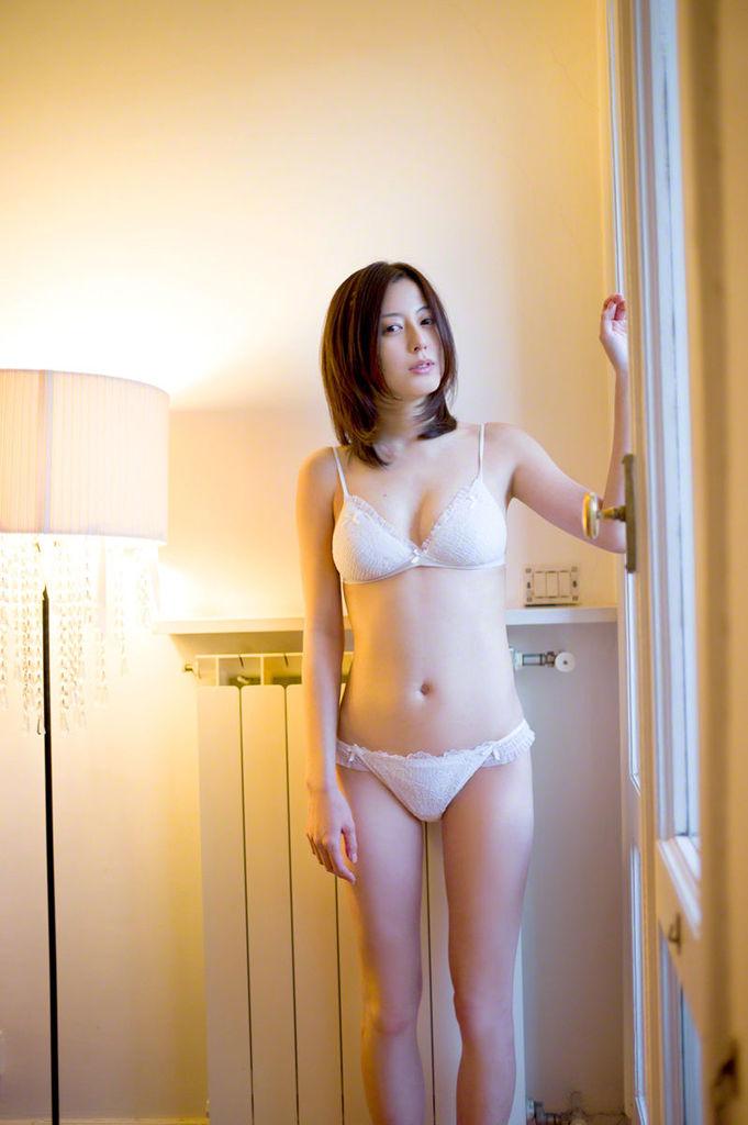 【杉本有美グラビア画像】ファッションモデルの美しすぎるランジェリー姿 47