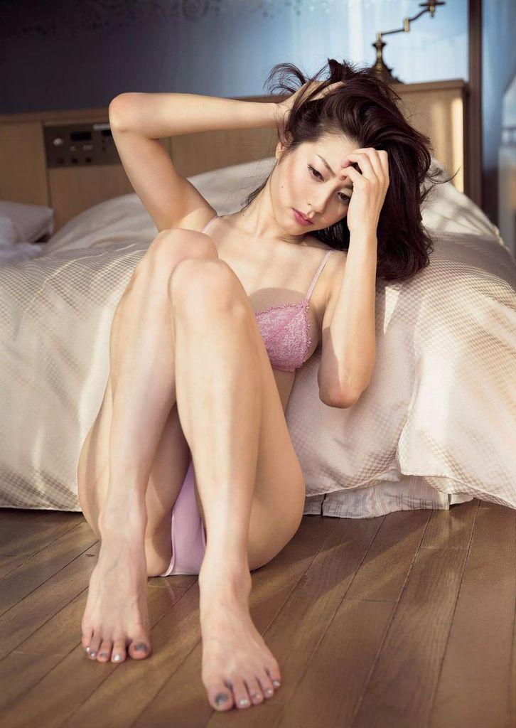 【杉本有美グラビア画像】ファッションモデルの美しすぎるランジェリー姿 67