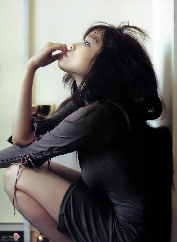 【佐藤江梨子お宝画像】ベテラン女優がグラドル時代に撮った谷間全開のビキニ写真 46