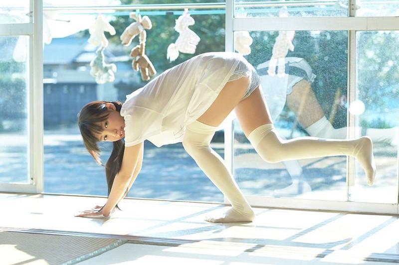 【椎名ひかりグラビア画像】これほどツインテールが似合う童顔美少女が他におる? 06