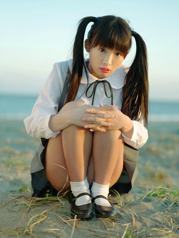 【椎名ひかりグラビア画像】これほどツインテールが似合う童顔美少女が他におる? 18
