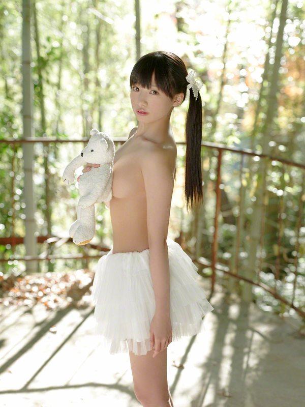 【椎名ひかりグラビア画像】これほどツインテールが似合う童顔美少女が他におる? 80