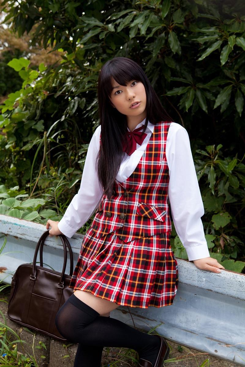 【いいニーハイの日】グラドル美女がニーハイを穿いて撮った自撮りやグラビア画像 09
