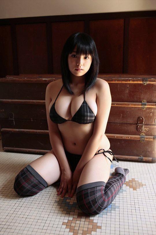 【いいニーハイの日】グラドル美女がニーハイを穿いて撮った自撮りやグラビア画像 14