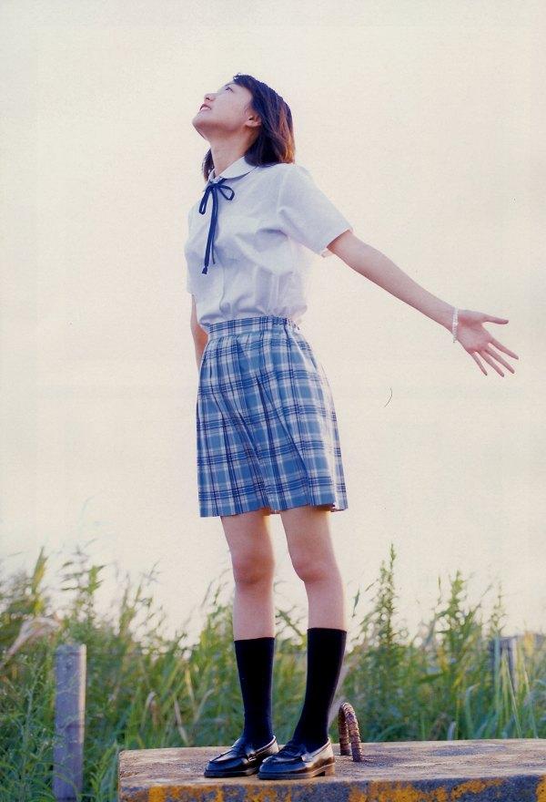 【戸田恵梨香お宝画像】映画デスノートのミサミサ役で脚光を浴びた女優の水着写真 75