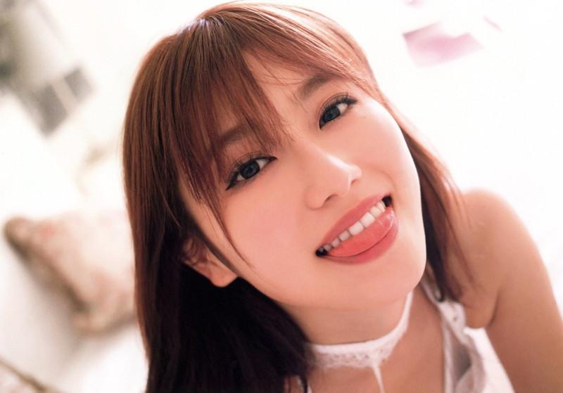 【守屋茜エロ画像】欅坂46の現役美少女アイドルがみせる可愛い笑顔とエッチな谷間