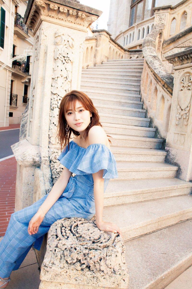 【守屋茜エロ画像】欅坂46の現役美少女アイドルがみせる可愛い笑顔とエッチな谷間 11